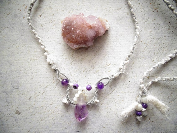 Raw Amethyst w/ Charoite, Moonstone, Howlite & Clear Quartz Macrame Necklace,Bohemian,Hippie,Gypsy,Tribal,アメジスト,マクラメ,ボヘミアン,ヒッピー,トライバル,野外フェス