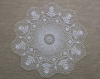 Round White Cotton Crochet Tablecloth 'Round Forrest'