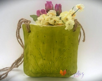 Ceramic planter, Small ceramic planter