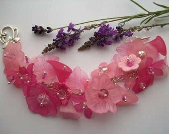 Pink Paradise - Flower charm bracelet with pink flowers and glass crystals