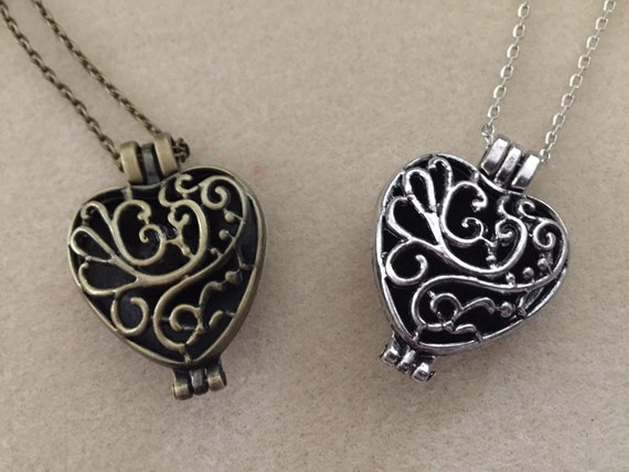 ON SALE 20% Off. Heart Locket. Filigree Antique Bronze or Silver. Use for Essential Oil with Felt Pad OR Lava Bead. Or use for Pictures.