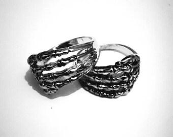Skeleton finger wrap ring