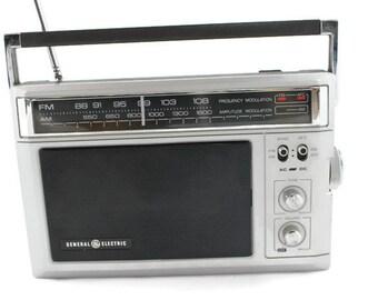 Vintage GE Radio Model: 7-2850D (General Electric)