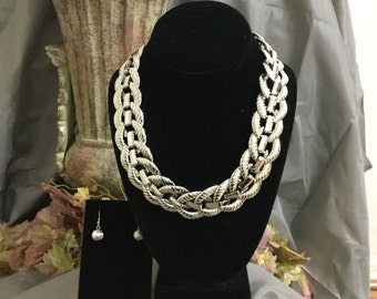 A 30 old necklace made of Mexican Silver