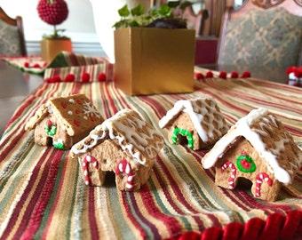 EDIBLE Mini Gingerbread houses