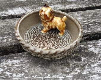 Collectible 1960s Wade figurines - Alsation Puppy in a Basket Trinket / Pin Dish. Very Cute