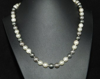 FT677 Grey and Cream Pearl Necklace  18in