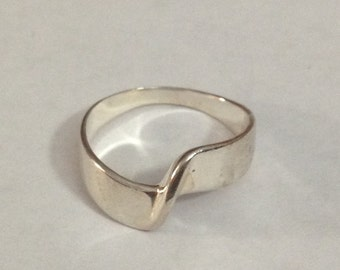 Sterling silver twisted band ring size 8.25