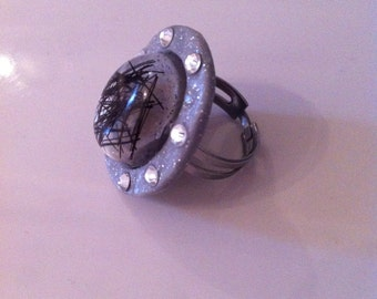 Ring in resin and horsehair