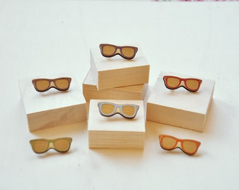 Mini Wooden Laser Cut Wayfarer Sunglasses Brooch
