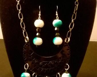 Teal and black necklace set