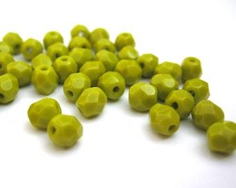 50 St. 4mm - opaque olivine Czech beads