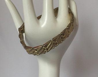 Vintage Retro 1970s 1980s 70s 80s gold coloured metal link bracelet / bangle