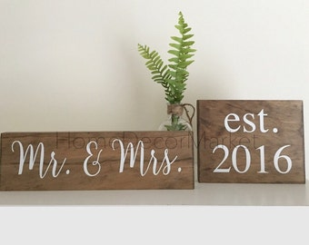 Mr and Mrs sign / Wedding Sign / Wedding gift / Est. Date / Established date Sign / Personalized sign / Personalized Home Decor /Bride to be