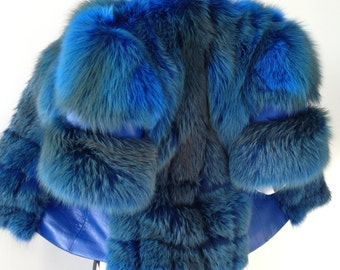 Vest coat of fox fur and genuine leather