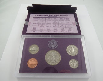 U.S. 1988S United States Proof Set.There is a C.O.A. in this set. This is a 5 coin Proof set.