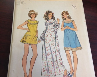Vintage Sewing Pattern - 1970s Misses Nightgown/Pajama Set - Simplicity 5030