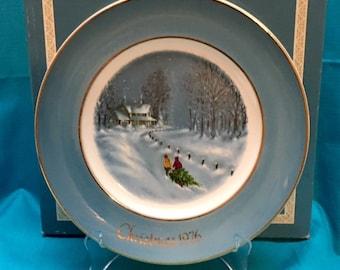 "Vintage Avon 1976 Christmas Plate "" Bringing Home the Tree"""