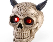 Molded LaTeX death's head with horns 12X7X9.5cm
