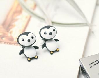 The Happy Feet - Shaking Penguin Earrings