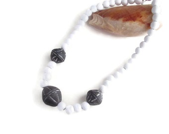 necklace, ethnic necklace, African necklace, white and black, African beads, wood beads, ethnic jewelry