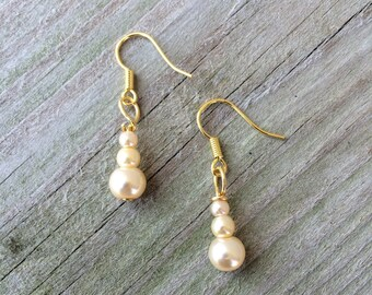 Pearl earrings, blush bridesmaids earrings, blush pearl earrings, bridal party earrings, bridesmaids jewelry, bridesmaids earrings, earrings