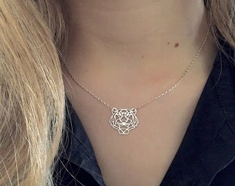 Necklace short tiger head in Silver 925