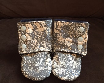 Stay-on Baby Booties with non-slip bottoms (12-18 months)