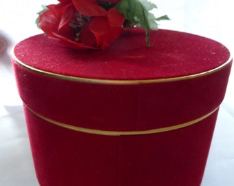 vtg HAT Round Shape Candy Box designer brand name Jewelry Organizer Protector Red Velvet Poppies Flowers hardside Gold FREE Shipping usa