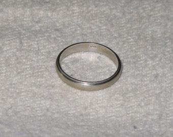 Vintage 14K White Gold Wedding ring