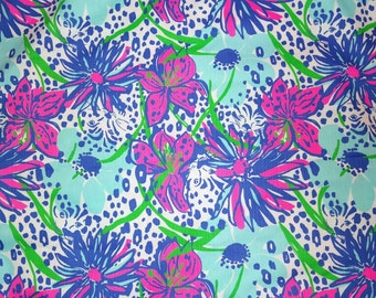 IN THE GARDEN Fabric 18x18 or 18x9 Lilly