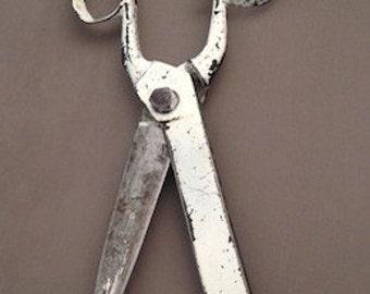 Draper scissors