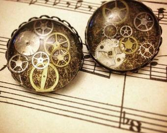 Beautiful timepiece brooch - handmade