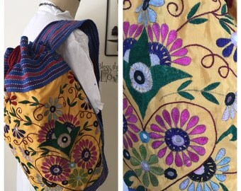 Tribal Hand Embroidered Sac Travel Bag . Mirror Tribal Textile