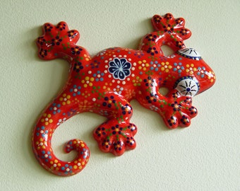Hand-Painted Wall Art Red Floral Ceramic Gecko