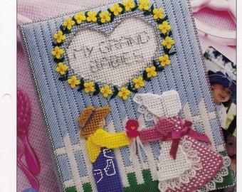 Grandma's Photo Album, Plastic Canvas Pattern Leaflet  Annie's PLCX406-06  Part of 'Annie's International Plastic Canvas Club Collection