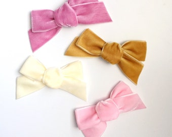 chubby velvet bow