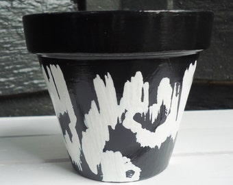 Black and White Hand-Painted Pot//Hand-Painted Terracotta Pot//Black and White Hand-Painted Flower Pot