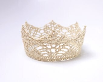 Hand knitted crown