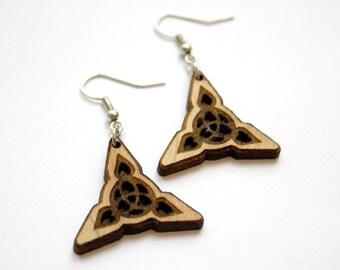 Wooden celtic earrings, interlaced pattern, wood triangle knotwork earring, interlaced scandinavian jewel, medieval jewelry, made in France