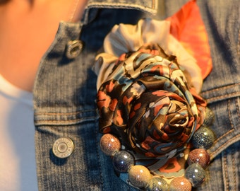 Chic Puff - Elegant Patterned Flower Brooch with Colorful Beads