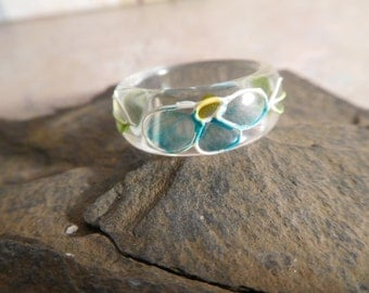 Vintage Lucite Ring With Floral Design Size 6
