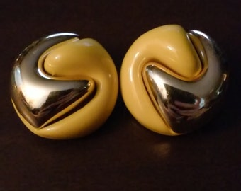 vintage yellow and gold clip on earrings.