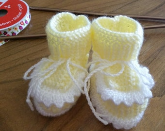Knitted baby booties,size 3-6 months