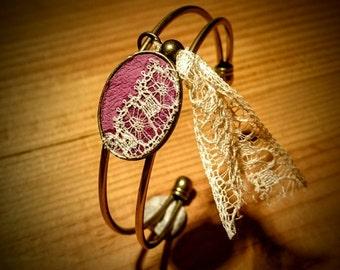 Bracelet violine et dentelle