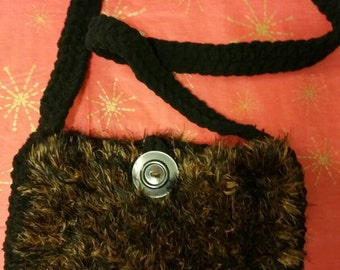 Cross body Fun Yarn Purse/Messenger Bag. Size and Purse straps made to order.
