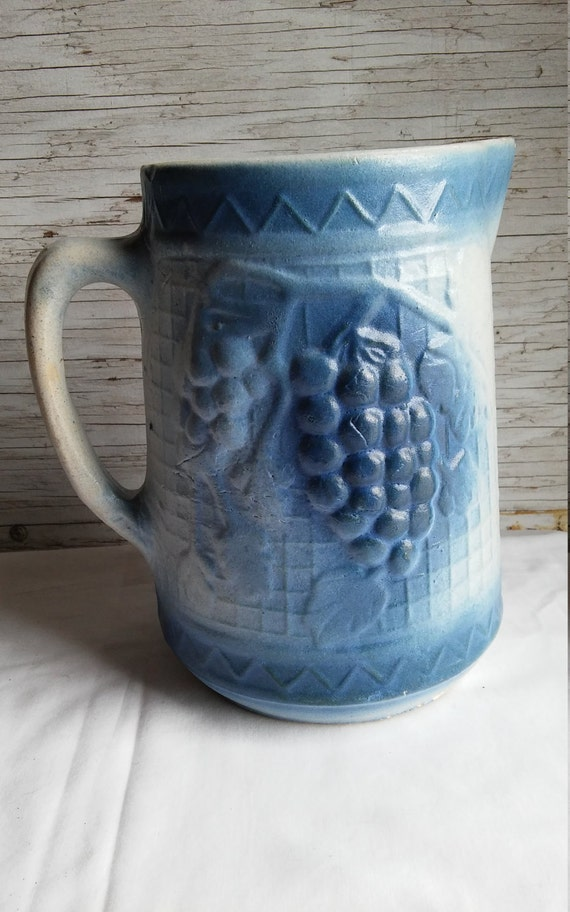 Vintage North Star Stoneware Company 2 Quart Salt Glazed Blue Pitcher. Circa 1892-1896