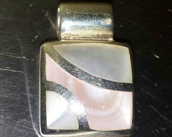 Sterling Silver .926 Pendant With Mother of Pearl