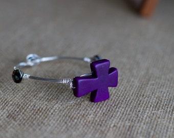 Purple Cross Beaded Wire Bangle