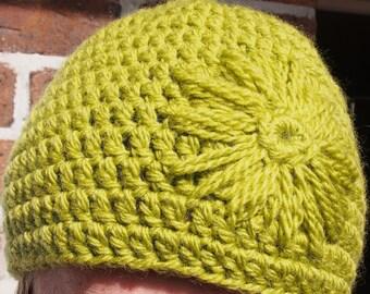 Beanie with Flower Motif (Crochet Pattern)